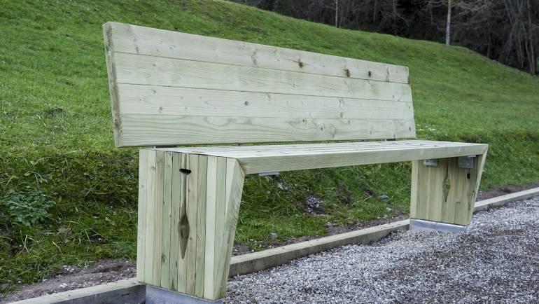 Žiri so bogatejše za krasne izdelke iz odsluženega lesa